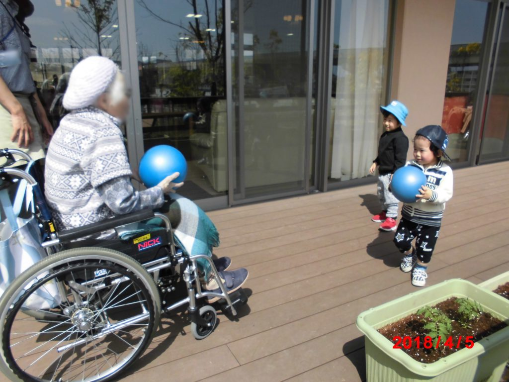 高齢者とのふれあい かがやき保育園 福岡市