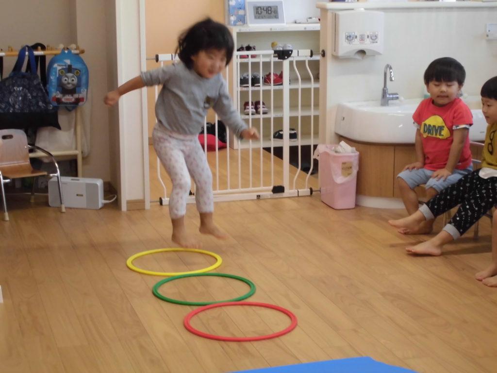 室内運動 かがやき保育園 福岡市西区